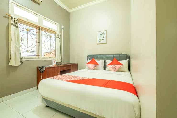 BEDROOM OYO 2227 Raka Residence Syariah Karawang