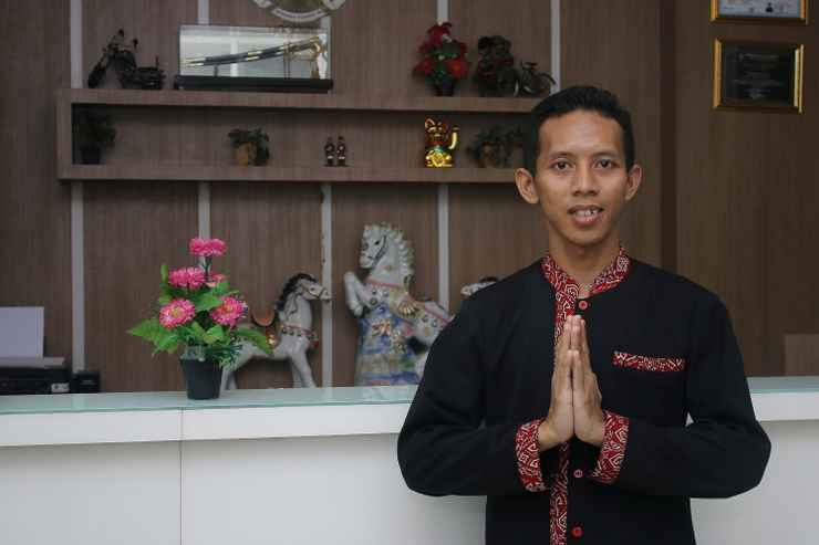LOBBY Airy Kapten Ismail 76 Tegal