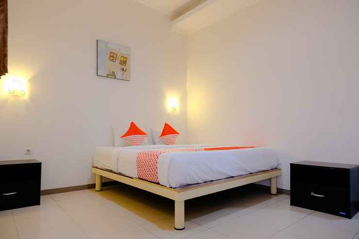 BEDROOM OYO 2853 D'Java Residence