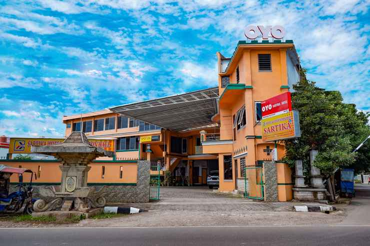 EXTERIOR_BUILDING OYO 2855 Sartika Hotel Pati