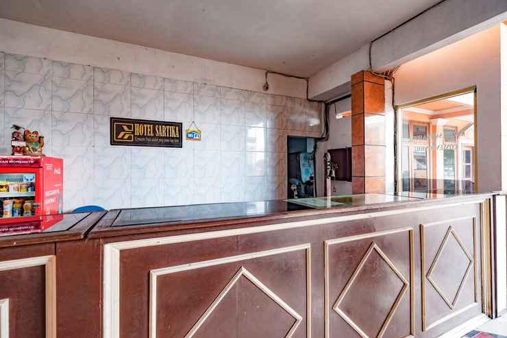 LOBBY OYO 2855 Sartika Hotel Pati