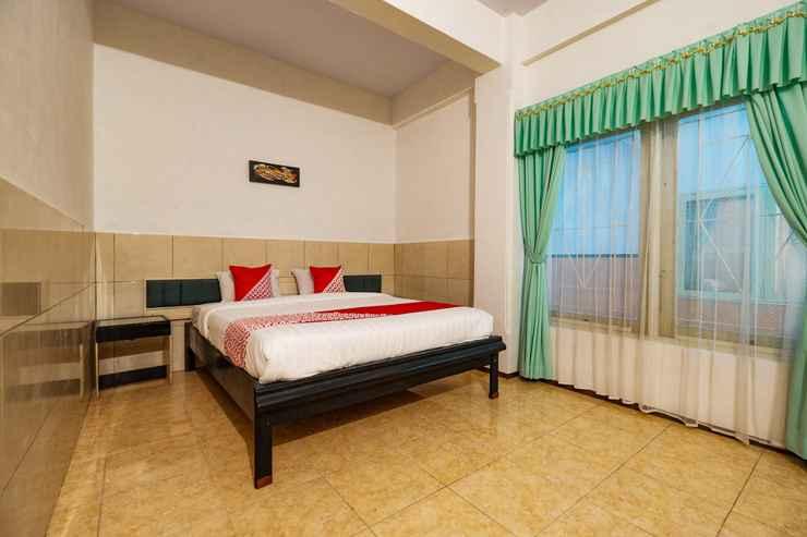 BEDROOM OYO 2855 Sartika Hotel Pati