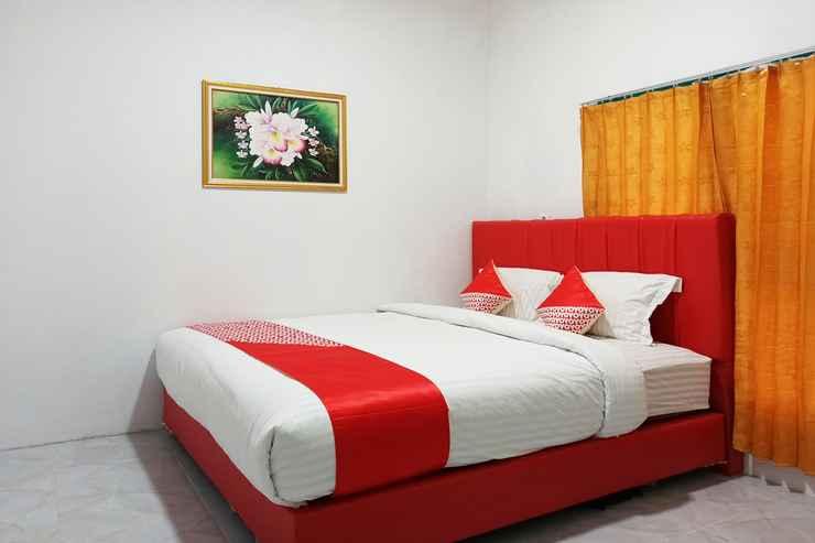 BEDROOM OYO 2611 Hotel Krui Syariah