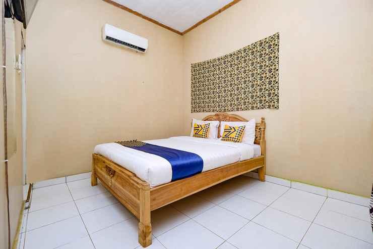 BEDROOM OYO 2430 Lisshaffa Residence