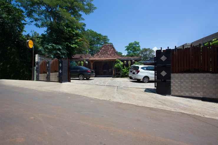 EXTERIOR_BUILDING SPOT ON 2761 Pondok Kartini