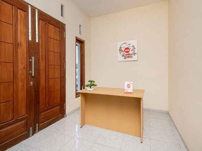 LOBBY OYO 3076 Lilik Residence Syariah
