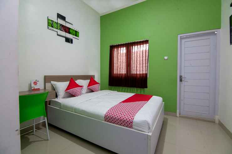 BEDROOM OYO 2808 D'residence Syariah