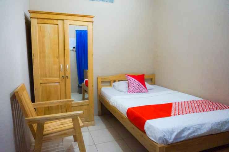BEDROOM OYO 2954 Aulia Residence