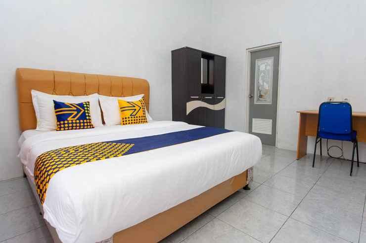 BEDROOM SPOT ON 2830 Azka Guest House Syariah
