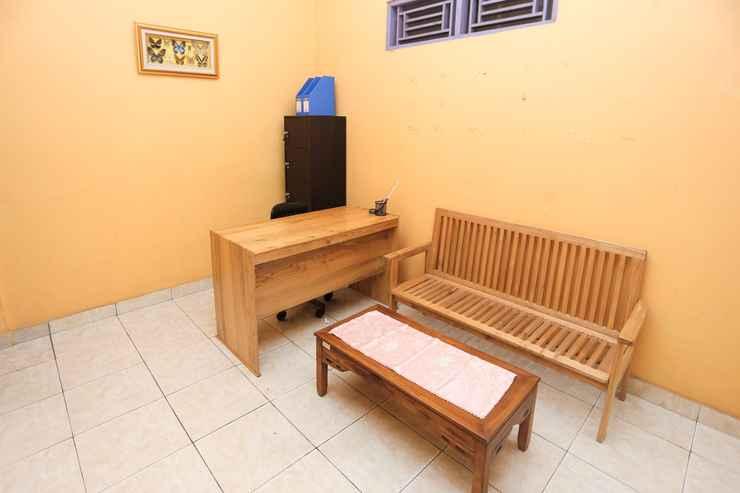 LOBBY OYO 2872 Garuda Guest House
