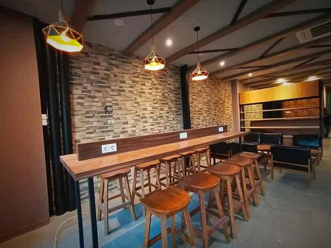 BAR_CAFE_LOUNGE Hotel Marina Airport Semarang