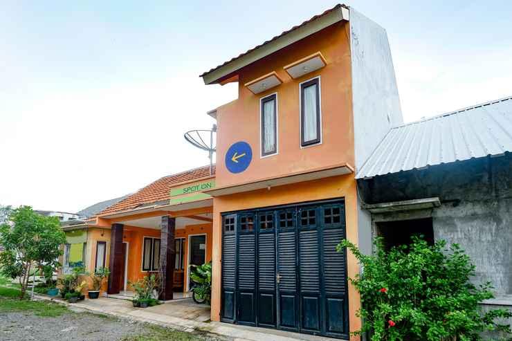 EXTERIOR_BUILDING OYO 2414 Homestay Potroyudan