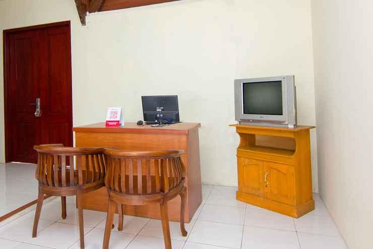 LOBBY OYO 2421 Joglo Guest House Syariah
