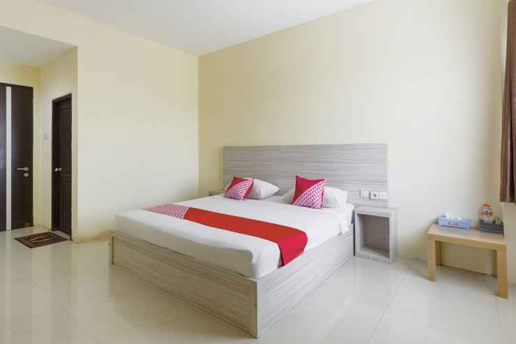 BEDROOM OYO 3343 Sunrise Hotel