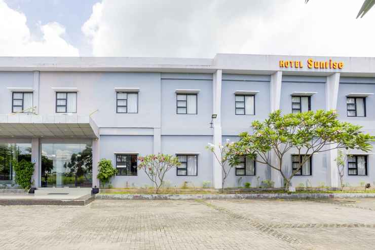 EXTERIOR_BUILDING OYO 3343 Sunrise Hotel