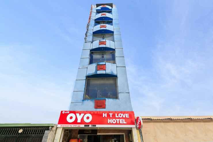 EXTERIOR_BUILDING Ht Love Hotel