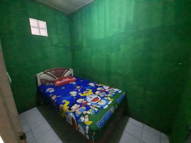 BEDROOM OYO 3369 Penginapan Lv
