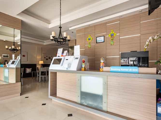 LOBBY OYO 3735 Liv Hotel