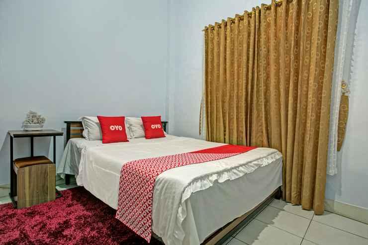 BEDROOM OYO 3757 Mahkota Syariah Guesthouse