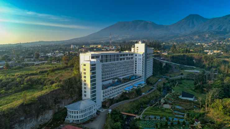 EXTERIOR_BUILDING Le Eminence Puncak Hotel Convention & Resort - Buy Now Stay Later