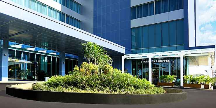EXTERIOR_BUILDING Holiday Inn Express Jakarta International Expo - Buy Now Stay Later