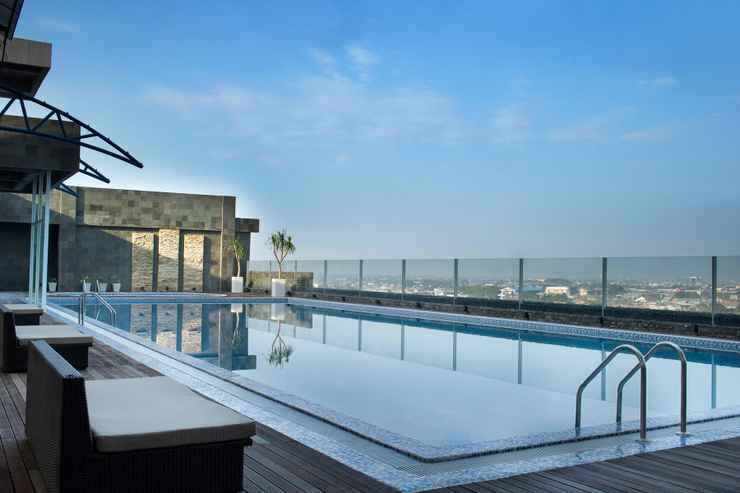 SWIMMING_POOL Four Points by Sheraton Makassar - Buy Now Stay Later
