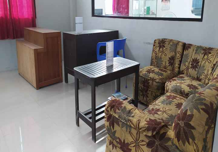 LOBBY OYO 3903 Sweethome Syariah Guesthouse