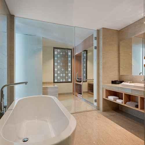 BATHROOM Hotel Santika Bukittinggi