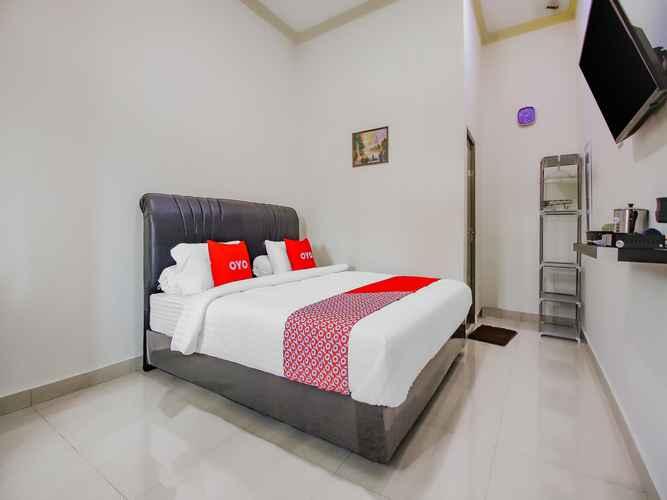 BEDROOM OYO 90063 Silver Homestay Syariah