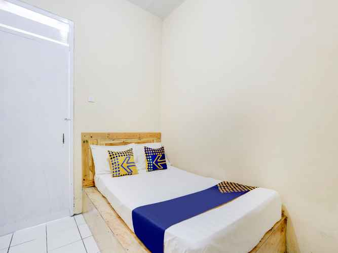 BEDROOM SPOT ON 90156 Hotel Ramayana