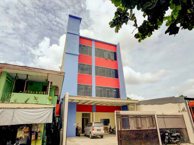 EXTERIOR_BUILDING OYO 90141 3a Syariah