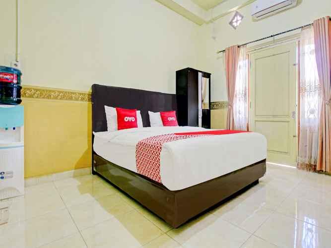 BEDROOM OYO 90307 Fj Alfaeyza Kost