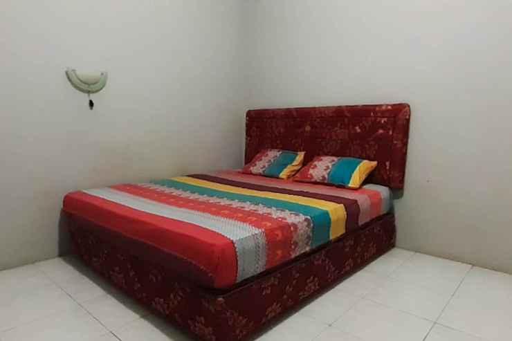 BEDROOM OYO 90316 Hotel Candri Pelaihari