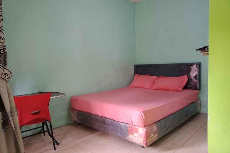 BEDROOM OYO 90476 Iksan Homestay Syariah