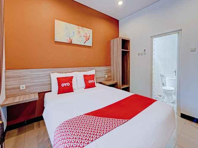 BEDROOM OYO 90497 Savaya Guesthouse