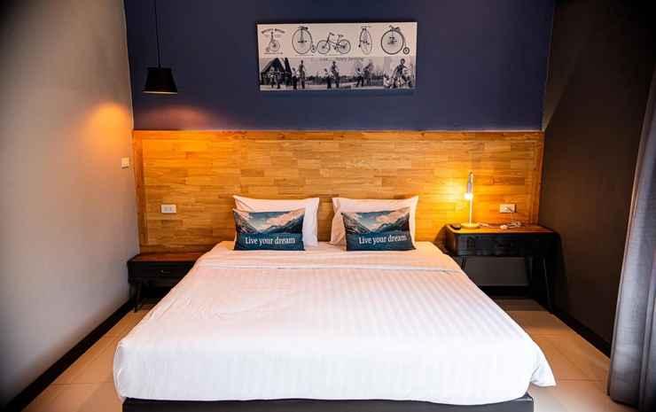 Penny-Farthing Pool Villa Chonburi - 6 Bedrooms