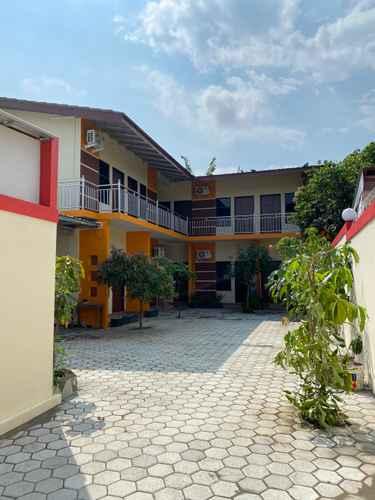 EXTERIOR_BUILDING Tristar Guesthouse Kroya