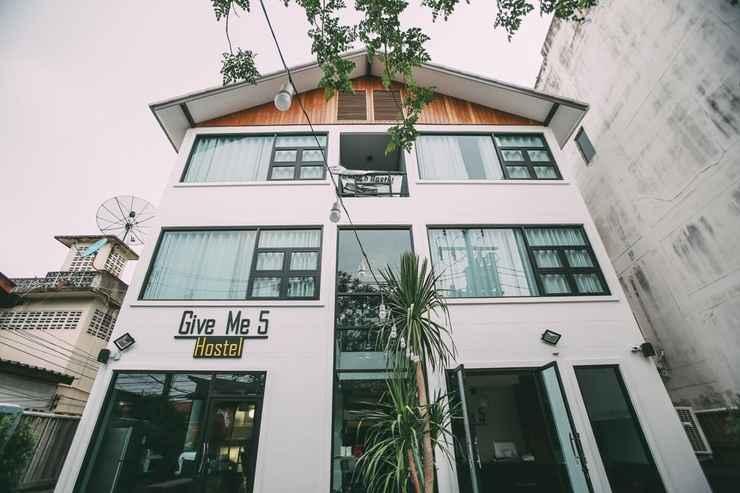 EXTERIOR_BUILDING Give Me 5 Hostel