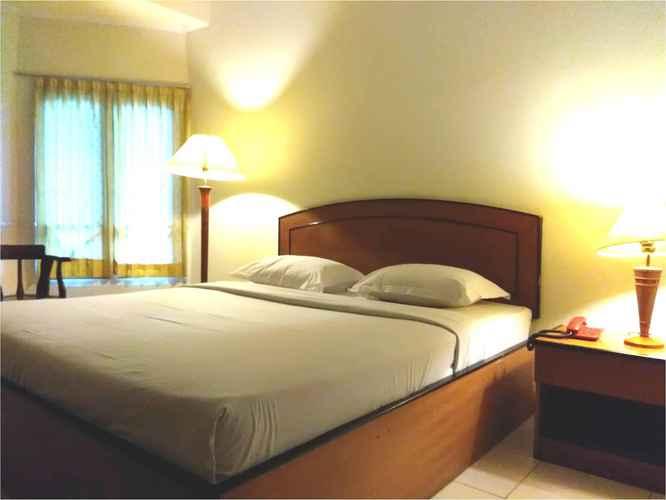 BEDROOM ALEXANDER HOTEL TEGAL