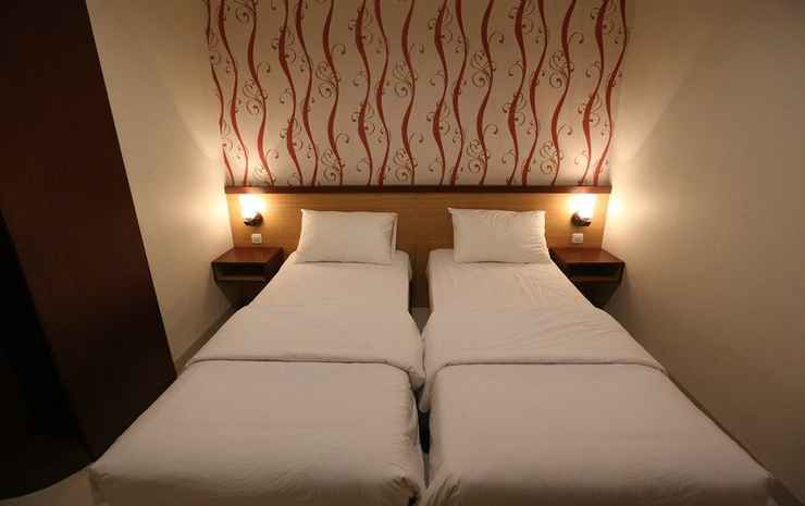Rejeki 3 Guesthouse Ambon - Deluxe Twin-bed Room