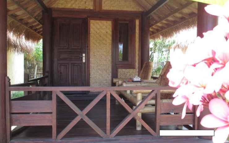 Selong Belanak Bungalow & Restaurant Lombok - Double Room with Balcony, Fan and Mosquito Net