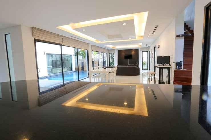 LOBBY Villa 123 @Phuket Town