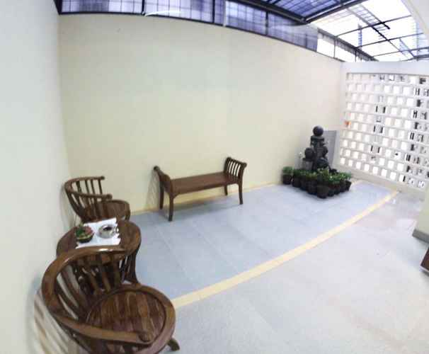 COMMON_SPACE Padma Laguna Guest House