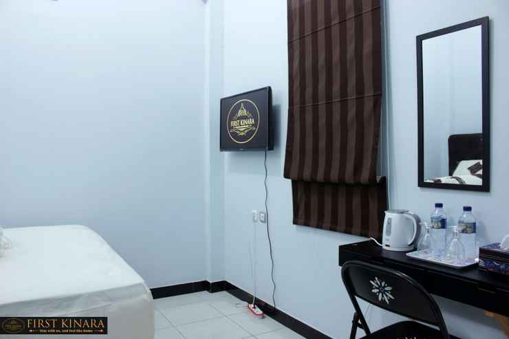 BEDROOM First Kinara Hotel