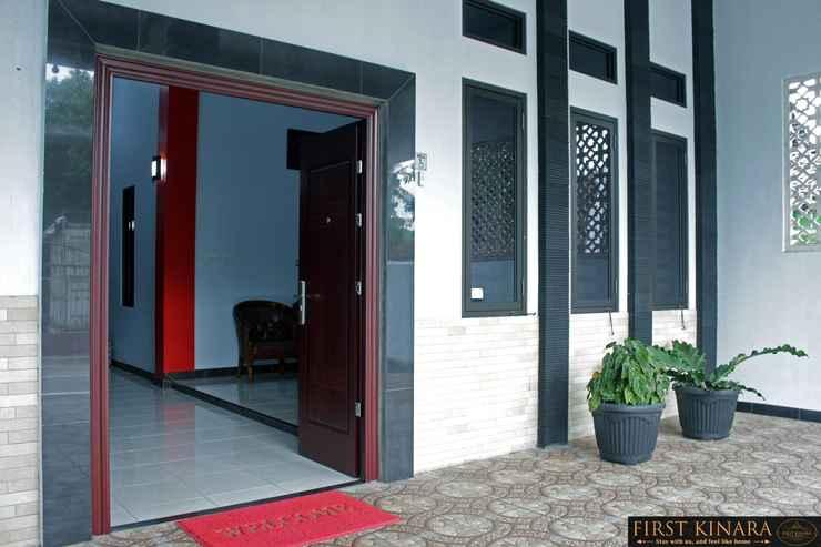 EXTERIOR_BUILDING First Kinara Hotel