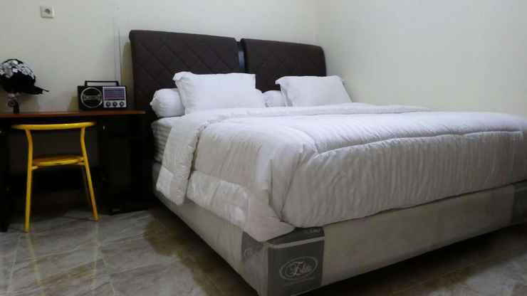 BEDROOM Family 2 Bedroom at Omah Kuning Homestay