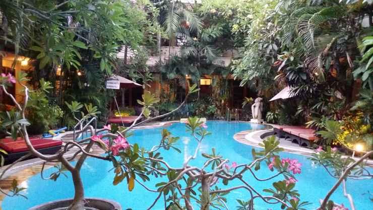 SWIMMING_POOL Secret Garden Inn