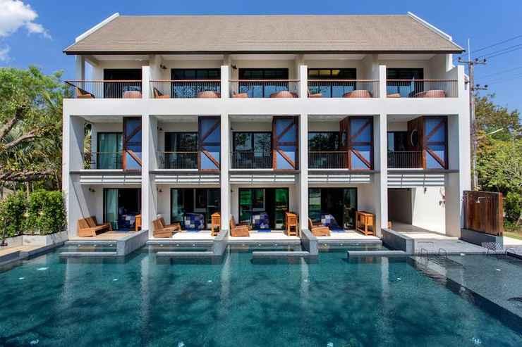 SWIMMING_POOL Pawtel Hotel