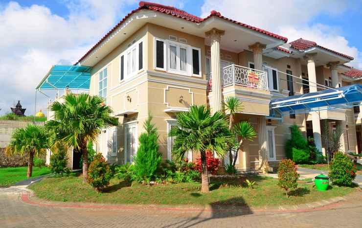 Villa Sakura Batu  Malang -