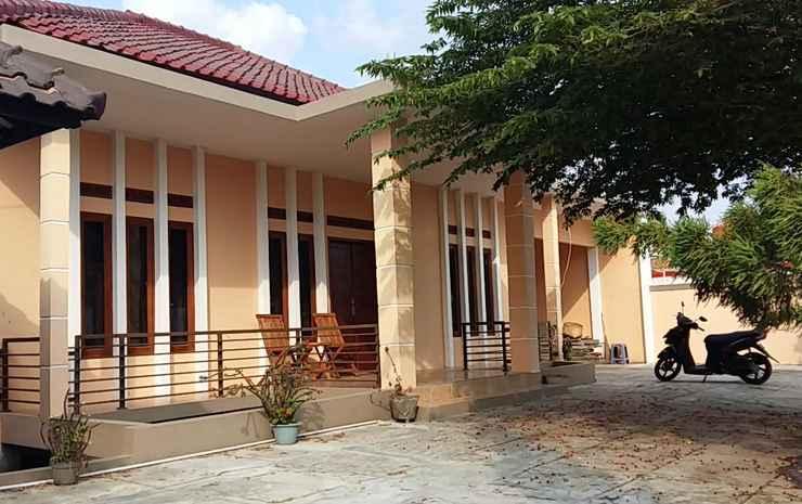Noora Villa Garut Garut - Villa 3 Bedrooms